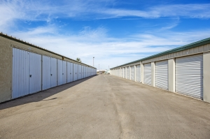 StaxUp Storage - El Centro - Photo 5