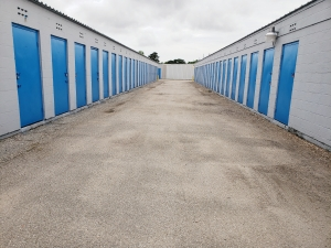 Image of Purely Storage - Beaumont - College Street Facility on 6045 College Street  in Beaumont, TX - View 4