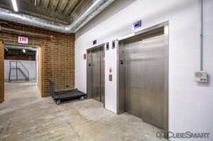 CubeSmart Self Storage - Chicago - 6000 W Touhy Ave - Photo 5