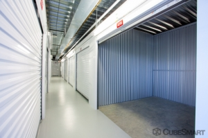 Image of CubeSmart Self Storage - Houston - 1508 Bingle Rd Facility on 1508 Bingle Rd  in Houston, TX - View 3