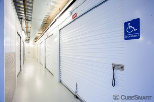 Image of CubeSmart Self Storage - Houston - 1508 Bingle Rd Facility on 1508 Bingle Rd  in Houston, TX - View 4