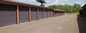 Image of Storage Rentals of America - Warren - North River Rd Facility on 3055 North River Road Northeast  in Warren, OH - View 2