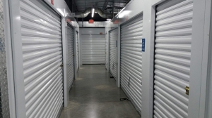 Storage Rentals of America - North Congress - Photo 6