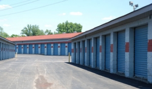 Image of Storage Express - Jeffersonville - 2515 E. 10th Street Facility on 2515 East 10th Street  in Jeffersonville, IN - View 4