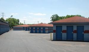 Storage Express - Jeffersonville - 2515 E. 10th Street - Photo 8