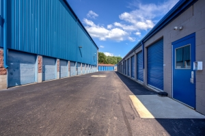 Simply Self Storage - 2325 S Dort Highway - Flint - Photo 3