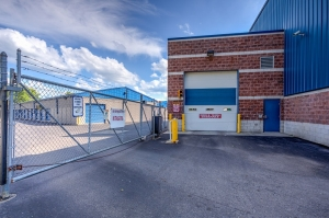 Simply Self Storage - 2325 S Dort Highway - Flint - Photo 6