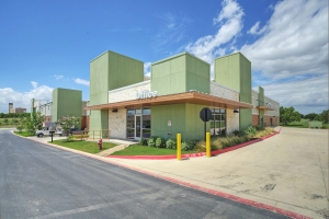 Image of 365 Self Storage Facility at 2000 University Boulevard  Round Rock, TX