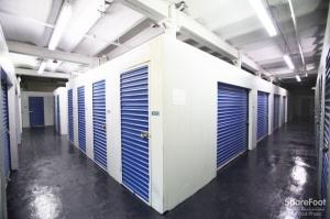 StorageBlue - Garfield - Photo 3