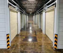 Image of STORExpress Warren Facility at 3390 Youngstown Road Southeast  Warren, OH