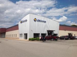 Image of Life Storage - Hazelwood - North Lindbergh Boulevard Facility on 7220 North Lindbergh Boulevard  in Hazelwood, MO - View 4
