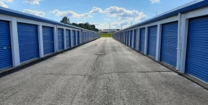 Storage Express - Indianapolis - South Lynhurst Drive - Photo 7