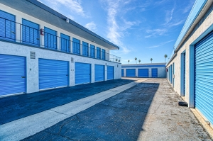 SmartStop Self Storage - Riverside - 3167 Van Buren - Photo 4