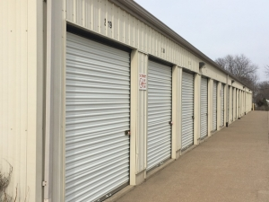 Davenport Storage Center - Photo 6