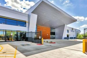Image of Life Storage - Phoenix - 10155 North 32nd Street Facility on 10155 North 32nd Street  in Phoenix, AZ - View 2
