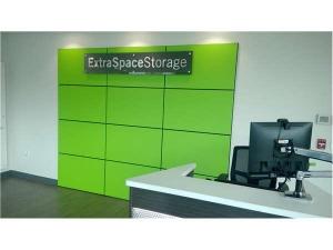 Extra Space Storage - Portland - Division Place - Photo 3