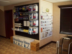 Country Club Storage & Wine Cellar - Photo 4