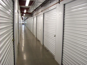 Country Club Storage & Wine Cellar - Photo 9