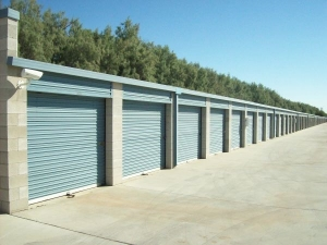 Country Club Storage & Wine Cellar - Photo 10