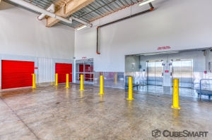 CubeSmart Self Storage - Doral - 4001 NW 77th Ave - Photo 6