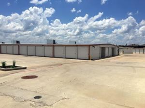 Image of Assured Self Storage - 700 Debbie Ln Facility on 700 Debbie Lane  in Arlington, TX - View 4