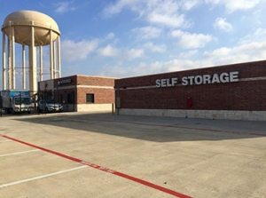 Image of Assured Self Storage - WRB Facility on 1410 North Duncanville Road  in Duncanville, TX - View 2