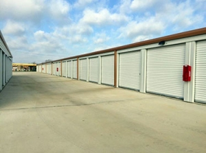Image of Assured Self Storage - WRB Facility on 1410 North Duncanville Road  in Duncanville, TX - View 3