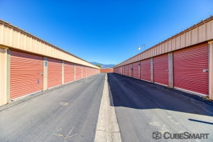 CubeSmart Self Storage - Hemet - 1180 N State St - Photo 2