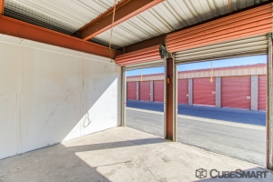 CubeSmart Self Storage - Hemet - 1180 N State St - Photo 4
