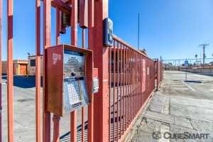 CubeSmart Self Storage - Hemet - 1180 N State St - Photo 5