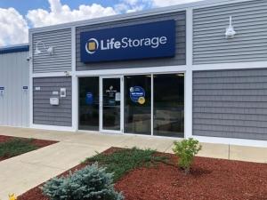 Image of Life Storage - Londonderry Facility at 6 Smith Lane  Londonderry, NH