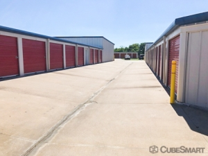 CubeSmart Self Storage - Broken Arrow - 19451 E 51st St - Photo 6