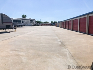CubeSmart Self Storage - Broken Arrow - 19451 E 51st St - Photo 7