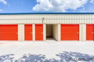 Image of CubeSmart Self Storage - Palmetto - 5310 Old US Hwy 41 Facility on 5310 Old Us Highway 41  in Palmetto, FL - View 2