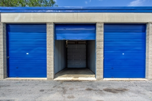 Image of iStorage Coon Rapids Facility on 9154 University Avenue Northwest  in Coon Rapids, MN - View 3