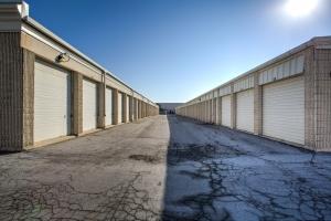 iStorage Roseville Cornillie Drive - Photo 2