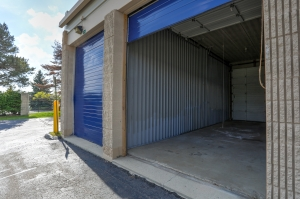 iStorage Farmington Hills Sinacola - Photo 2