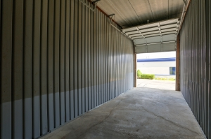 iStorage Farmington Hills Sinacola - Photo 3