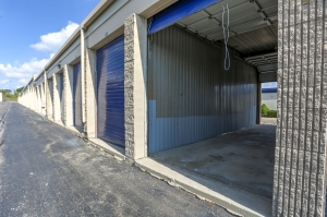 iStorage Farmington Hills Sinacola - Photo 6