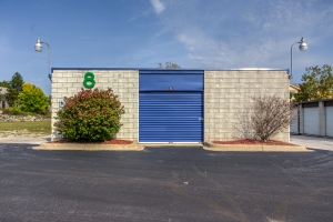 iStorage Auburn Hills - Photo 1