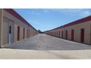 Image of Extra Space Storage - Edmond - So Broadway Facility on 3948 South Broadway  in Edmond, OK - View 2