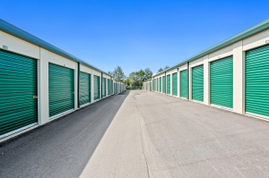 Image of US Storage Centers - La Vergne - New Paul Facility on 211 New Paul Road  in La Vergne, TN - View 3