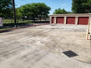 Image of Veterans Memorial Storage Facility on 11423 Veterans Memorial Drive  in Houston, TX - View 3