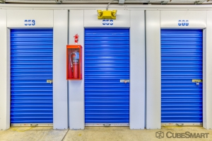 CubeSmart Self Storage - Lynwood - 19600 Stoney Island Ave - Photo 6