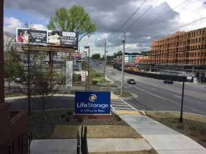 Life Storage - Chamblee - Photo 7