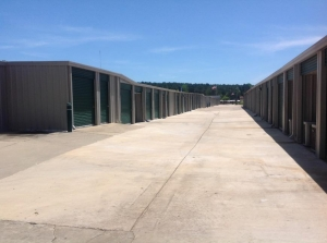 Image of Life Storage - Jackson - 5651 Mississippi 18 Facility on 5651 Mississippi 18  in Jackson, MS - View 3