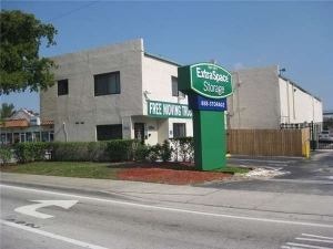Extra Space Storage - Fort Lauderdale - Commercial Blvd - Photo 1