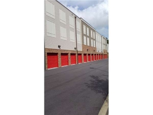 Image of Extra Space Storage - Mt Pleasant - James Nelson Rd Facility on 1640 James Nelson Road  in Mount Pleasant, SC - View 2