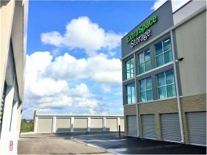 Extra Space Storage - New Port Richey - Trinity Blvd - Photo 2