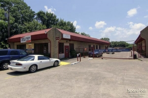 Image of Oak Cliff Self Storage Facility on 3714 Marvin D Love Freeway  in Dallas, TX - View 4